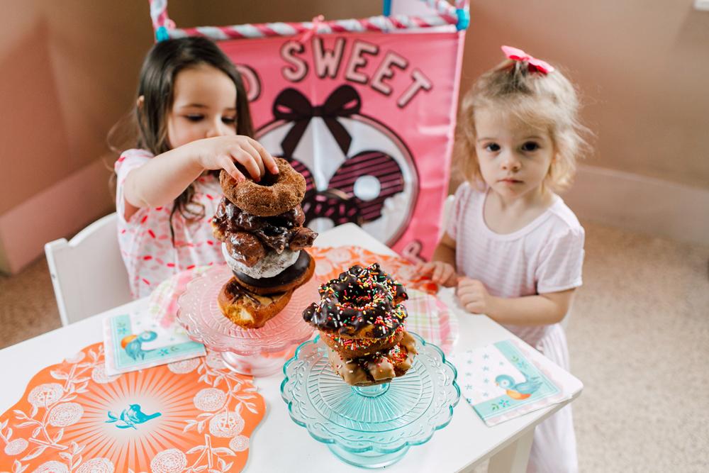 014-bellingham-family-lifestyle-photographer-katheryn-moran-donut-shop-ludke.jpg