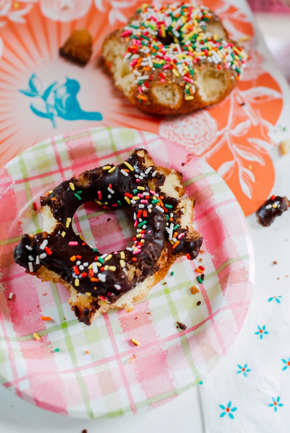 026-bellingham-family-lifestyle-photographer-katheryn-moran-donut-shop-ludke.jpg