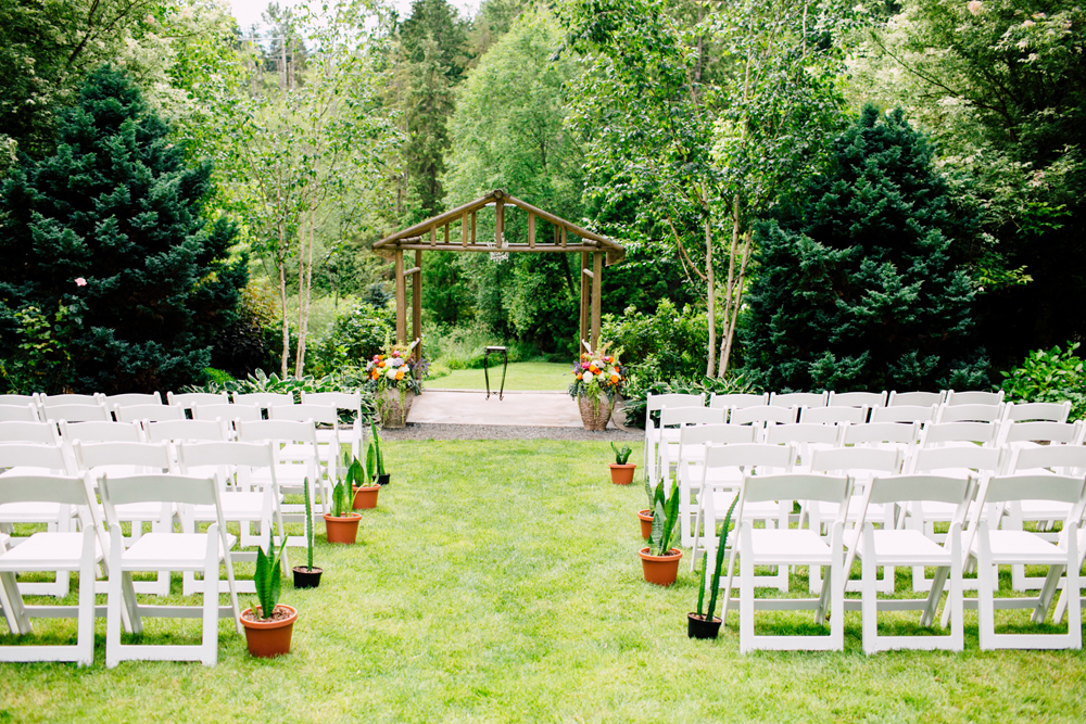 006-snohomish-wedding-photographer-katheryn-moran-jardin-del-sol-angela-luis-garden-wedding.jpg