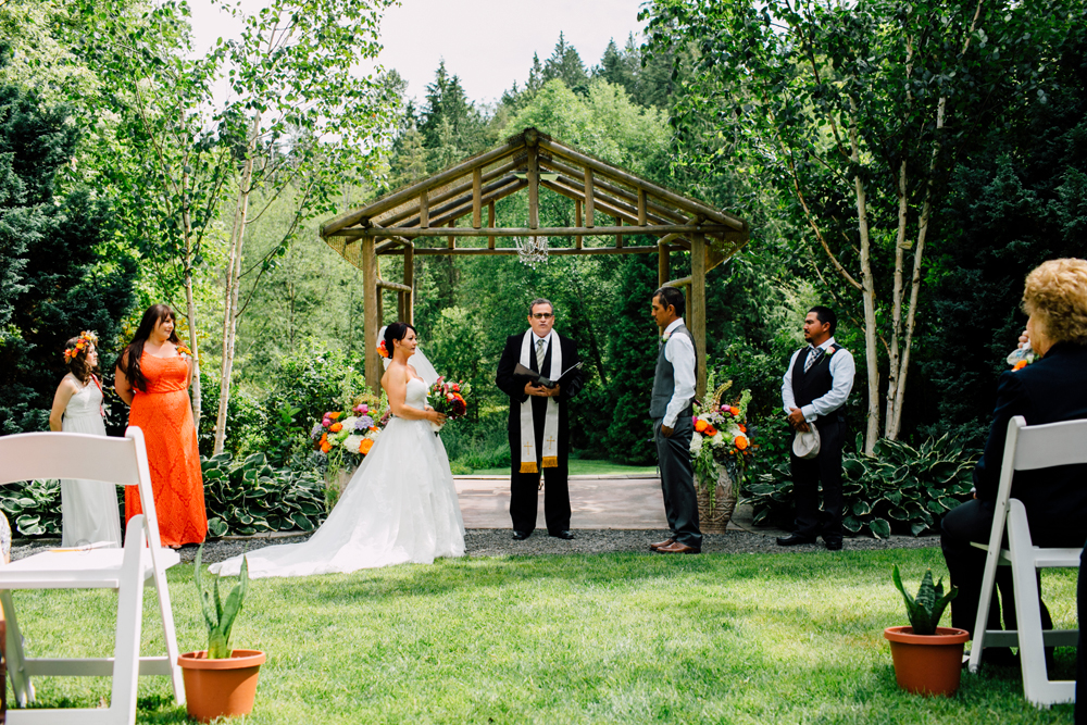 037-snohomish-wedding-photographer-katheryn-moran-jardin-del-sol-angela-luis-garden-wedding.jpg