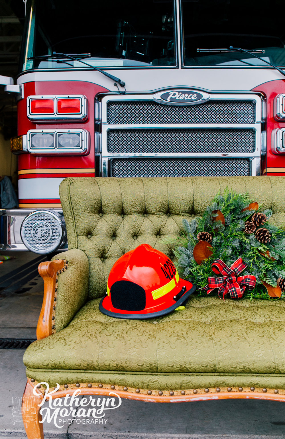 bellingham-photographer-katheryn-moran-whatcom-county-fire-station-12-help-holidays-2018-5.jpg