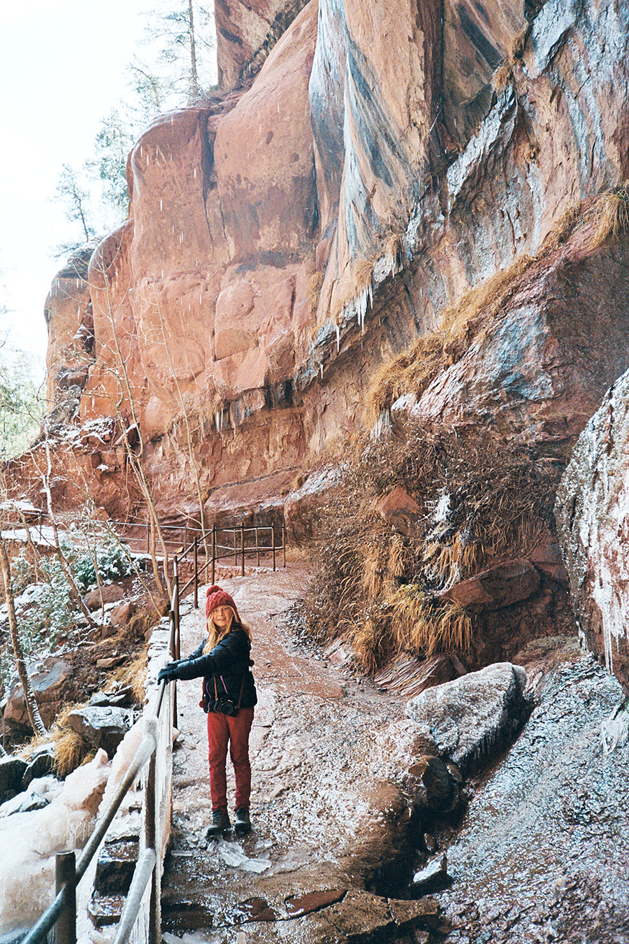 Icy morning hike up to the Emerald Pools. I really really wanted to hike Angel's Landing with Grace on this trip but the snow and ice on all the trails left it closed :(