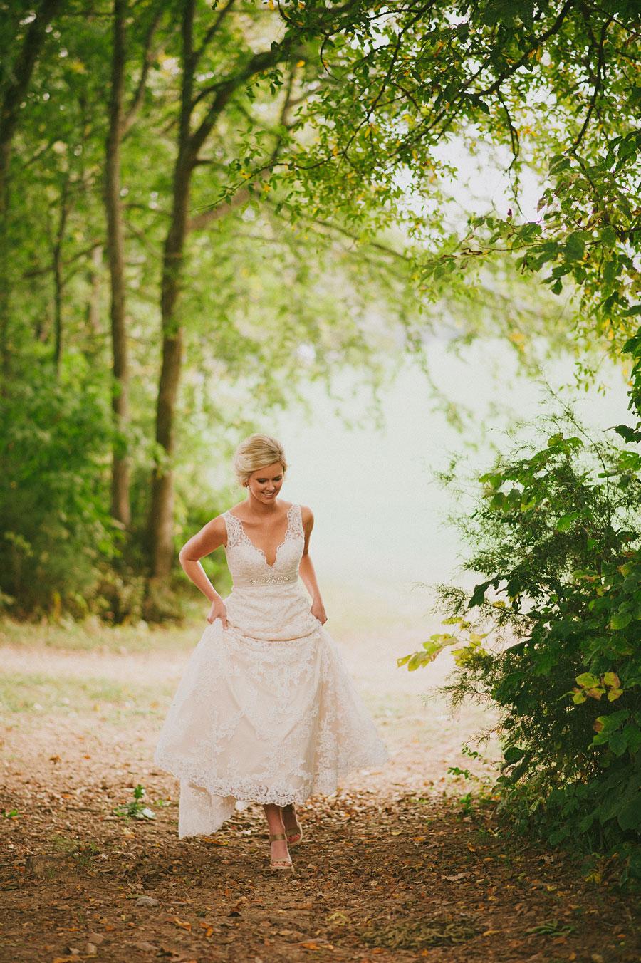 nashvillewedding_leipersforkwedding_farmwedding_bytheimageisfound_0040.jpg