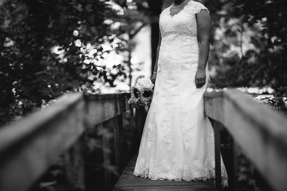 Elisabeth+Todd (2014-07-05)-Neal Dieker Photography-54.jpg