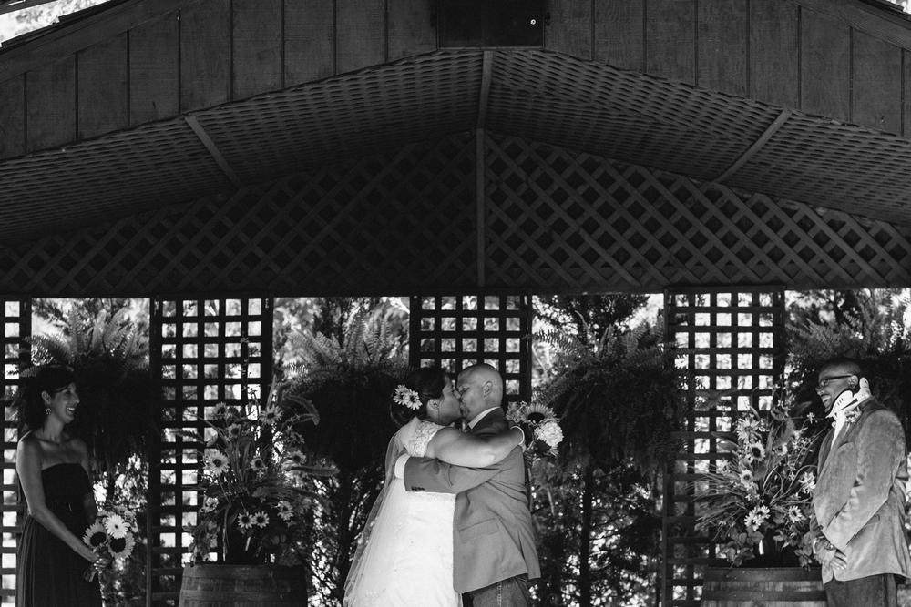 Elisabeth+Todd (2014-07-05)-Neal Dieker Photography-93.jpg