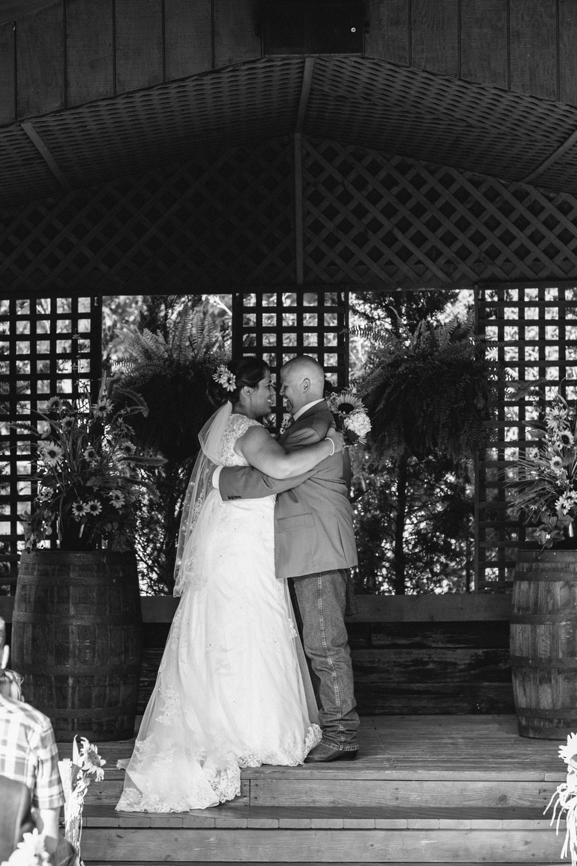 Elisabeth+Todd (2014-07-05)-Neal Dieker Photography-94.jpg
