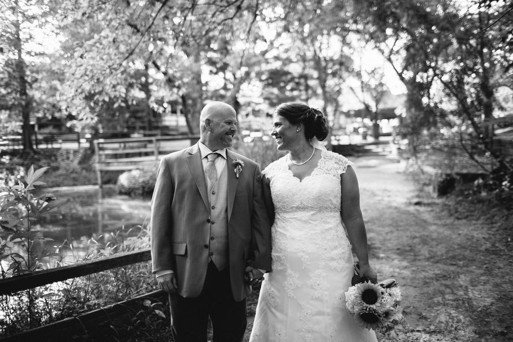 Elisabeth+Todd (2014-07-05)-Neal Dieker Photography-101.jpg