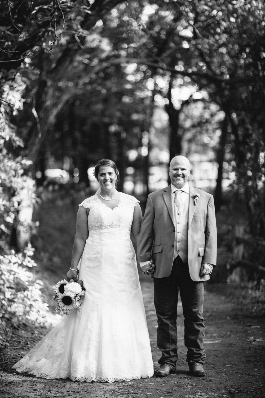 Elisabeth+Todd (2014-07-05)-Neal Dieker Photography-100.jpg