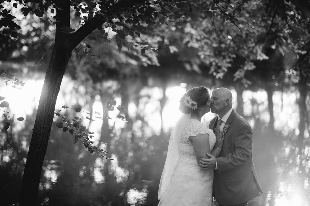 Elisabeth+Todd (2014-07-05)-Neal Dieker Photography-110.jpg