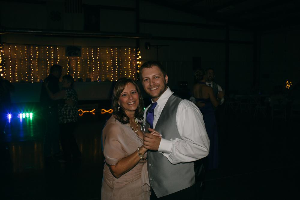 Abby+Mark-Pratt,KS-Neal Dieker-128.jpg