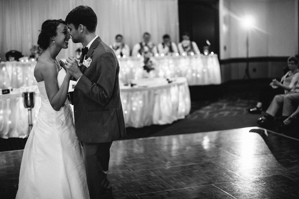 Wichita, Kansas Wedding Photographer - Neal Dieker - Wedding Photography-200.jpg