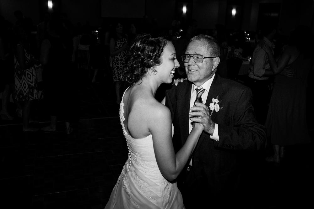 Wichita, Kansas Wedding Photographer - Neal Dieker - Wedding Photography-205.jpg