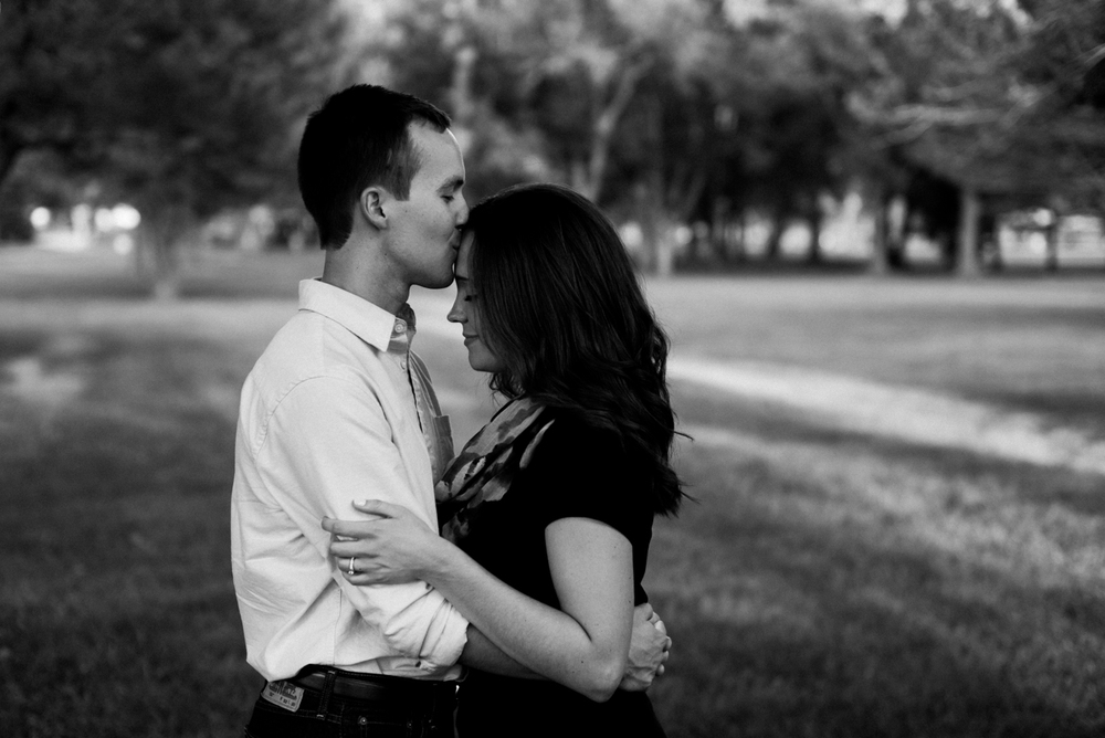 Garden City, Kansas Engagment Photographer - Garden City, Kansas Photographer-133.jpg