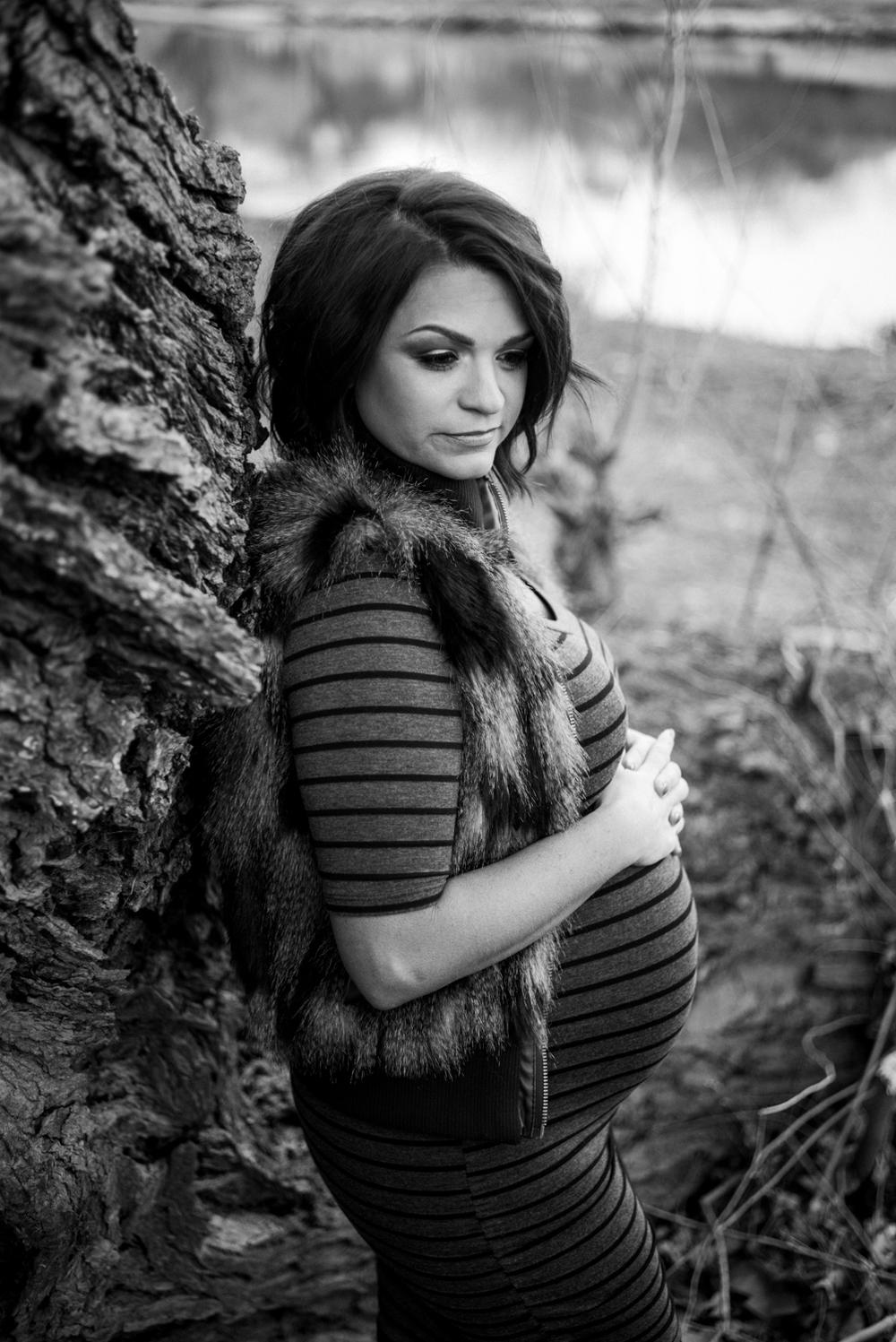 Wichita, Kansas Maternity Photographer - Neal Dieker - Wichita, Kansas Portrait Photographer-114.jpg
