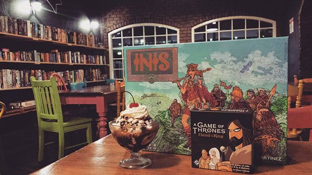 What's new to The Hippo this week? Psychedelic Celtic clan battles in Inis. 2-4 players, 60 minutes. Fight for your seat at the kings side in A Game of Thrones; Hand of the King. 2-4 players, 15-30 minutes. And the cherry on top Rocky Road Sundaes. All available for play and purchase tonight. 👑🍨 #thehungryhippo #boardgamecafe