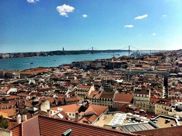 T he beautiful view over Lisbon from Castelo de Sao Jorge