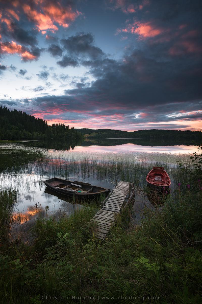 Jonsvatnet-sunset-boats.jpg