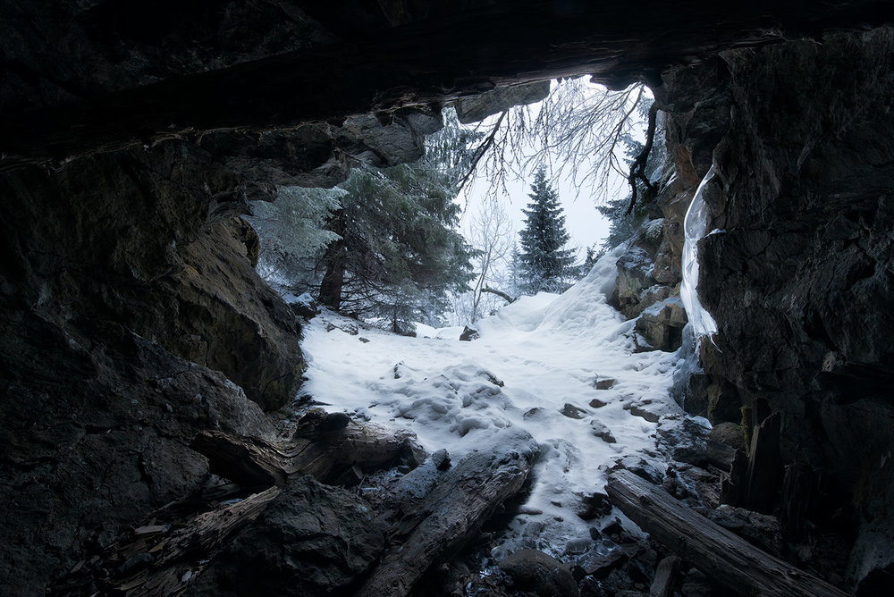 Knuten-cave.jpg