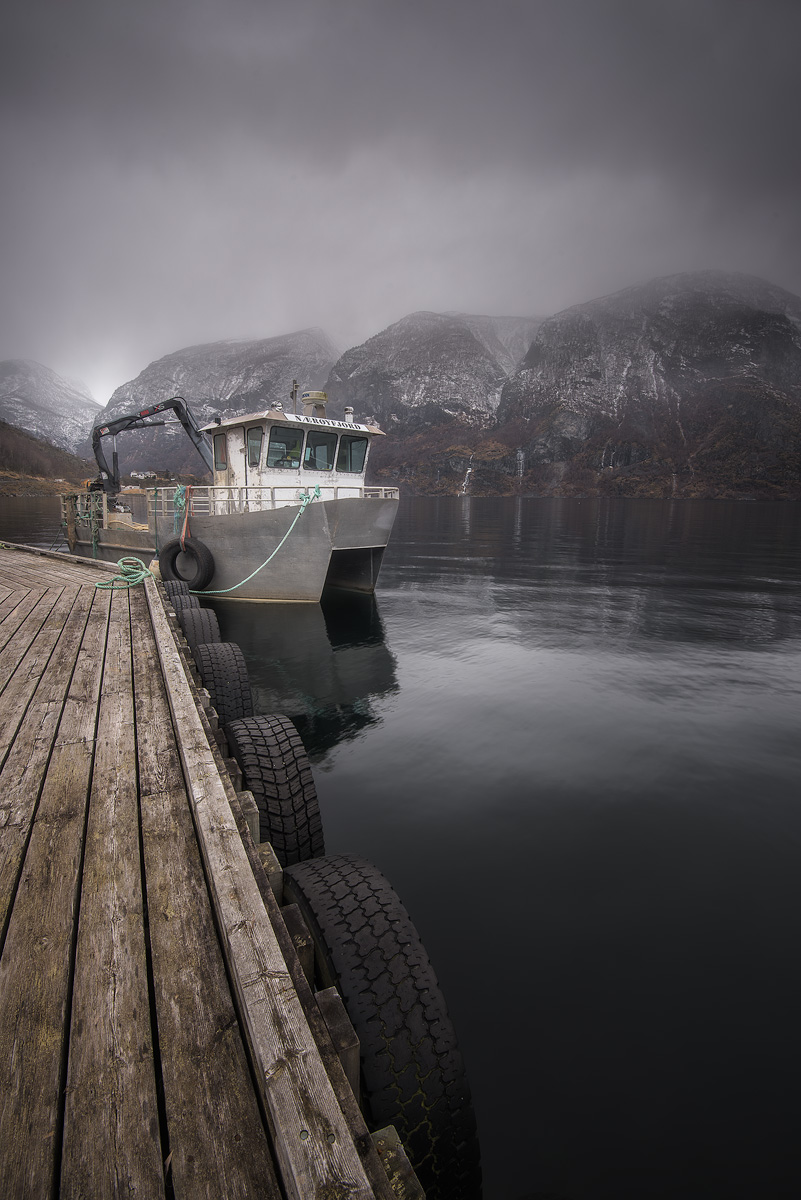 Naroyfjord-boat.jpg