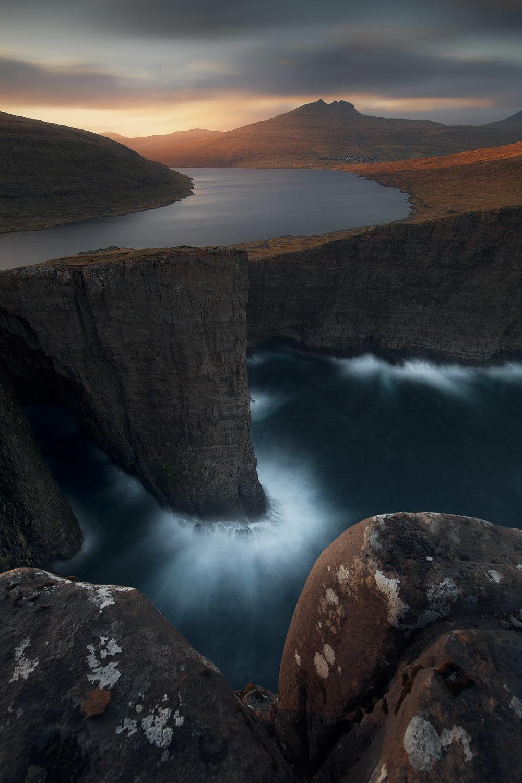Faroe-Islands-2018-4-Leitisvatn.jpg