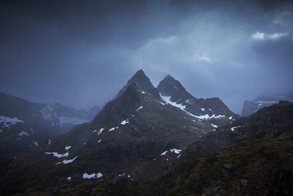 Lofoten-Mosknesoy-Stormy-Hike-4.jpg