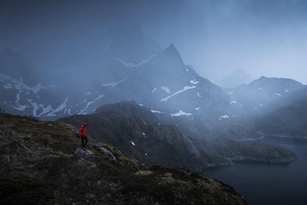 Lofoten-Mosknesoy-Stormy-Hike-5.jpg