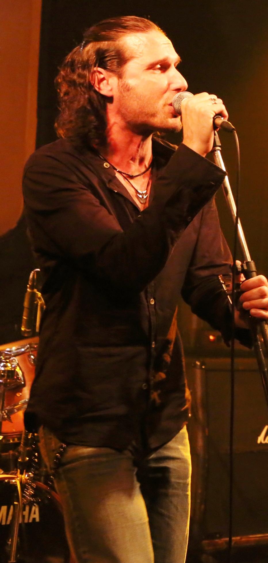 ao-live_mit_band-shibuya3.jpg