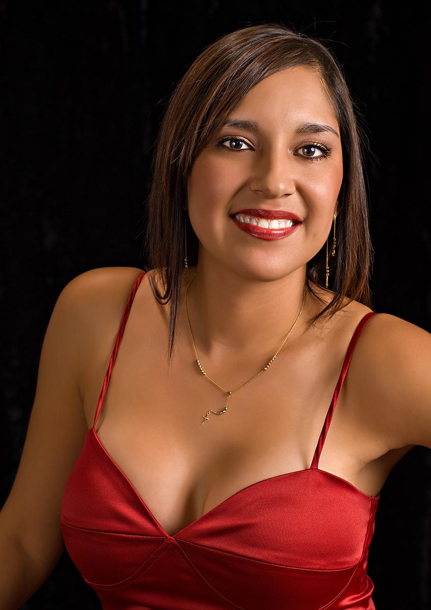 Yvette01.jpg