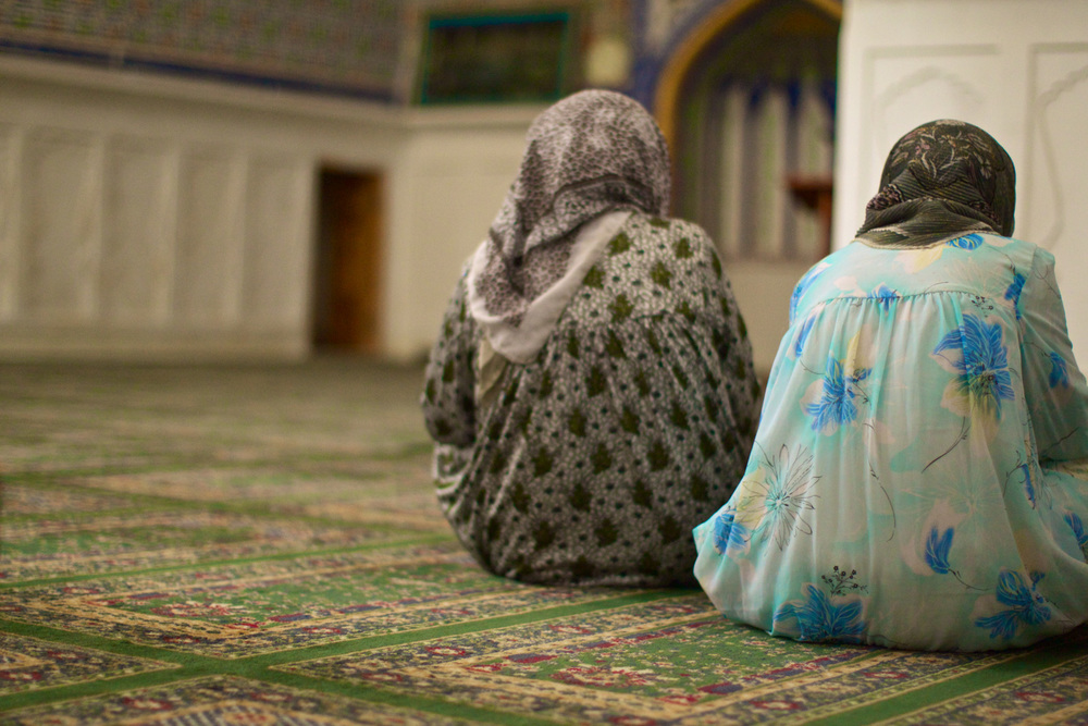 Women in a mosque, Bukhara