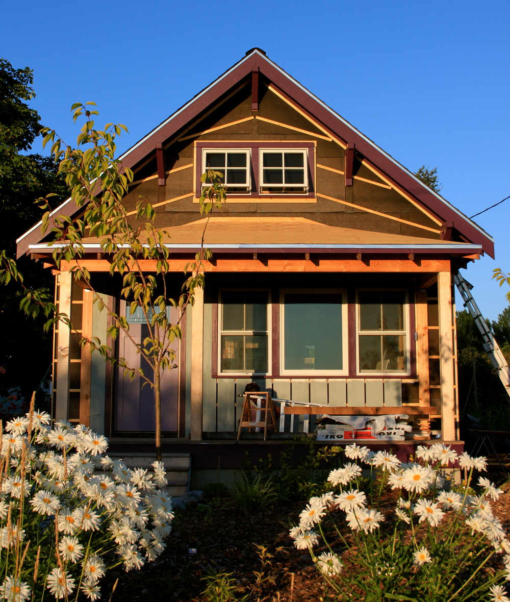 A Bungalow: Beekeeper's Bungalow Update: Siding & Painting (Cont