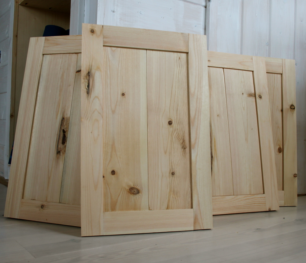 Kitchen Cabinets With Doors: THE Small HOUSE CATALOG