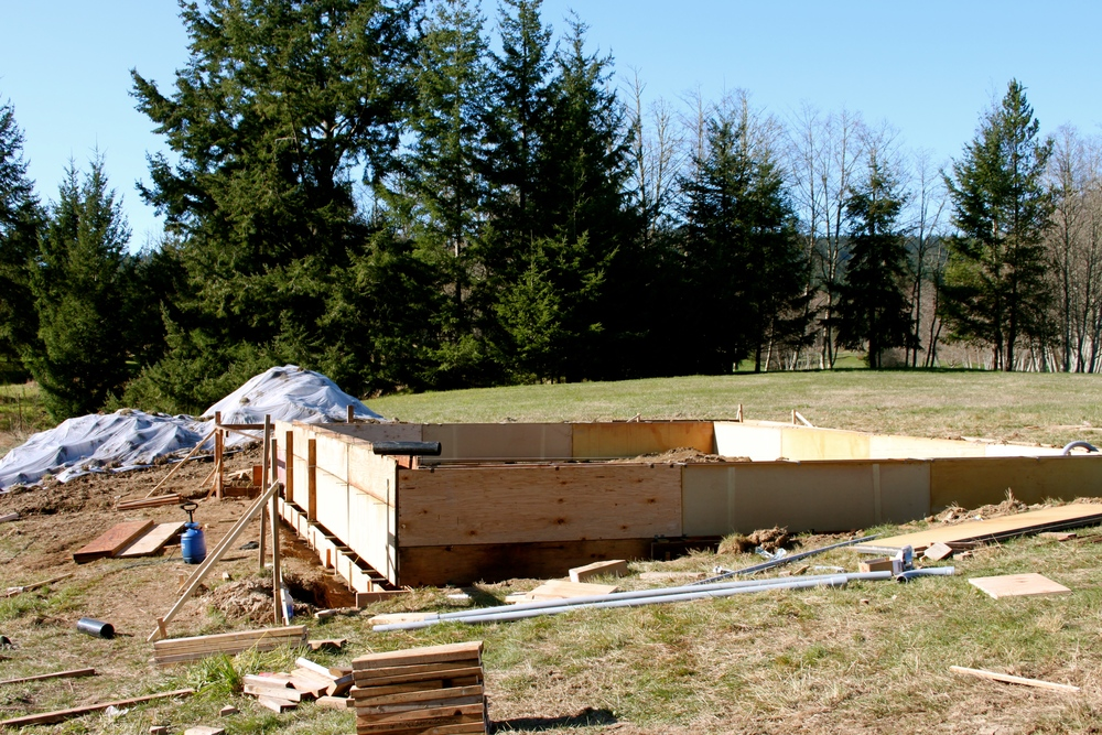 Plywood foundation forms