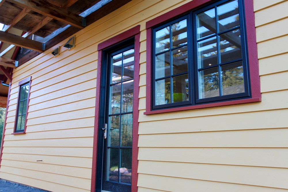 horizontal cedar siding