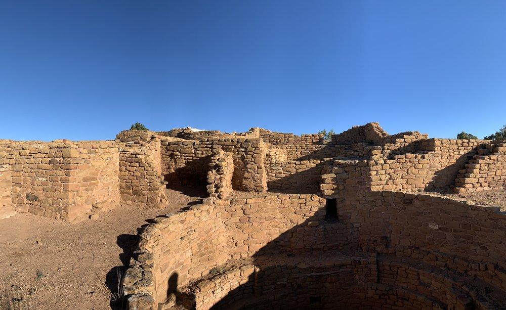 mesa verde cliff dwellings.jpg