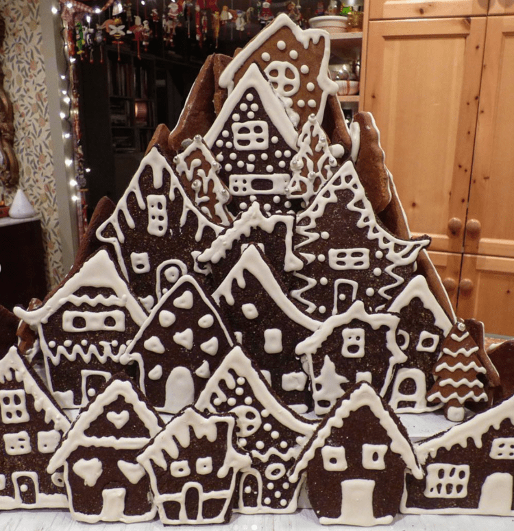 2016's gingerbread house project - with houses!