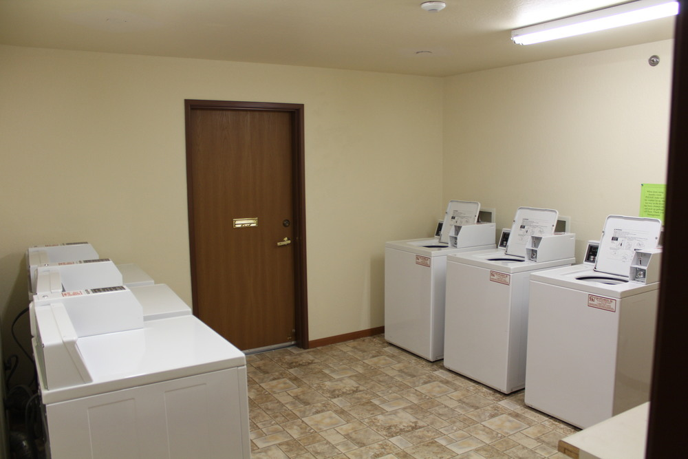 landry Room.JPG