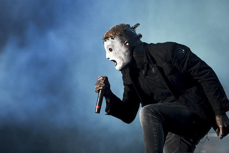 800px-Corey_Taylor_of_Slipknot_at_Optimus_Alive_Festival_2009_2.jpg