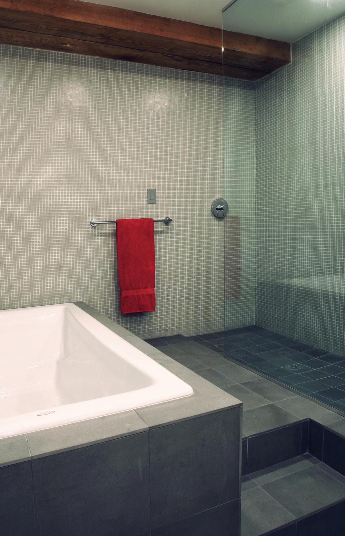 R bath 2.jpg