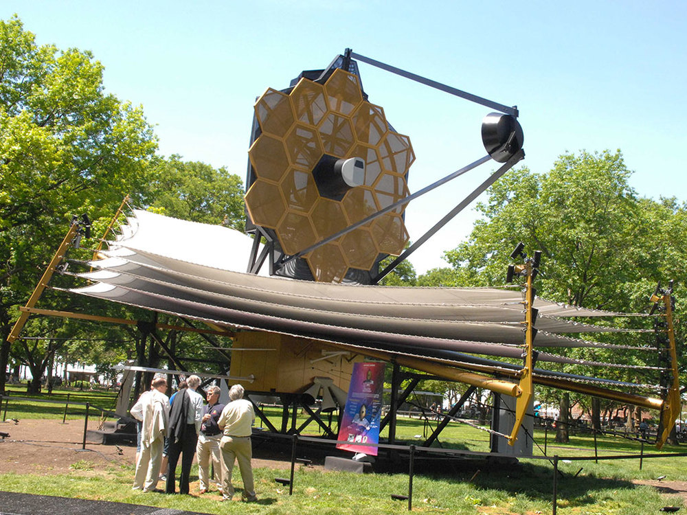 Full-scale model of JWST at the World Science Festival, NYC Credit: Northrop Grumman