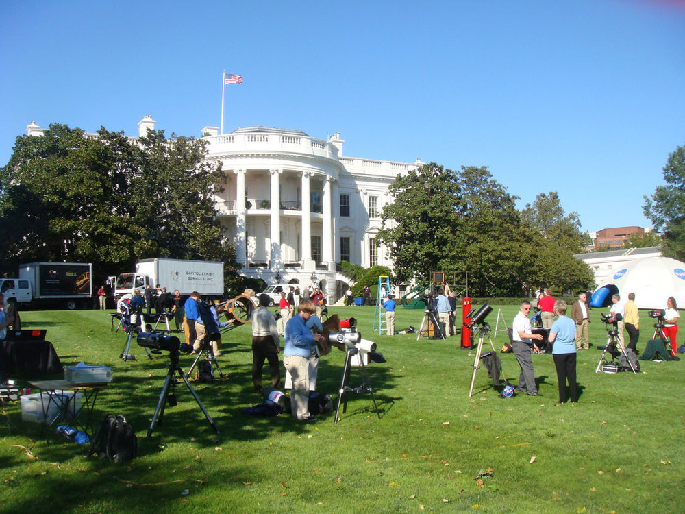 Telescopes and NASA activity tents are set up on the south lawn of the White House. Credit: NASA
