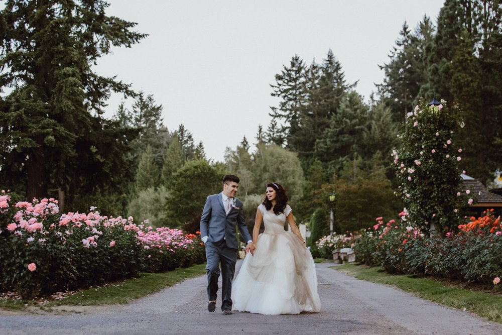 Portland Rose Garden wedding photo