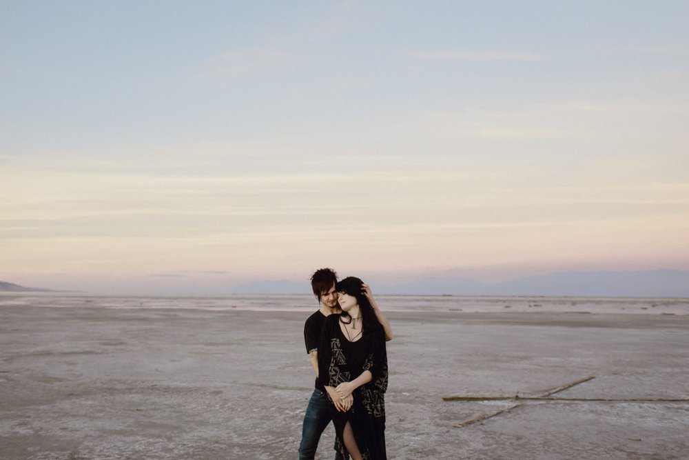 salt-lake-desert-engagement-photography_0027.jpg
