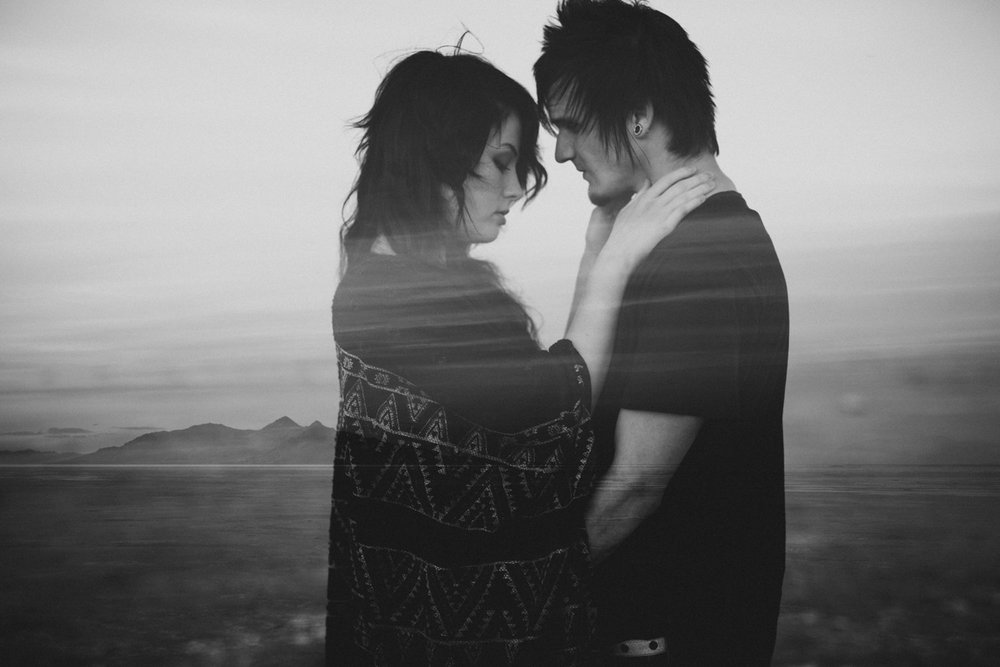 salt-lake-desert-engagement-photography_0031.jpg