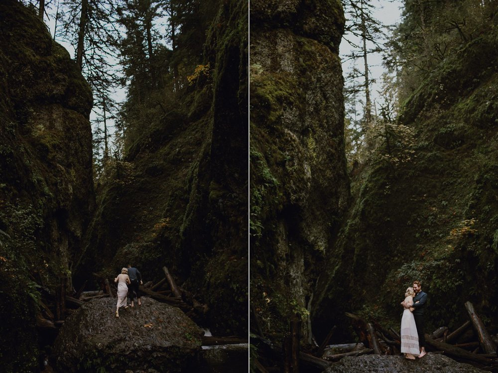 columbia-gorge-oregon-engagement-photography_0010.jpg