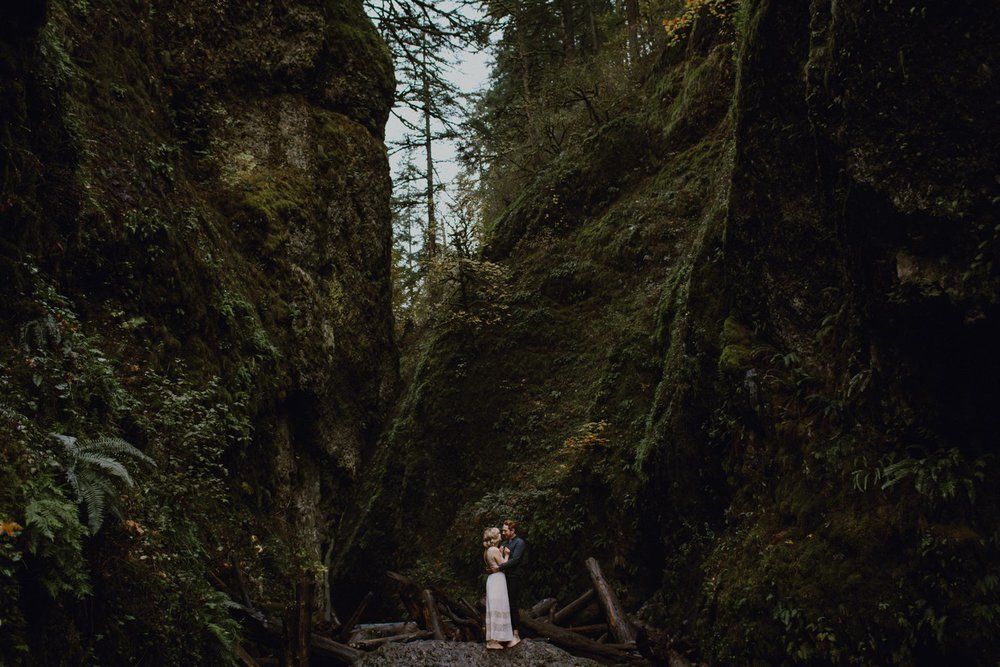 Oneonta Gorge engagement photography
