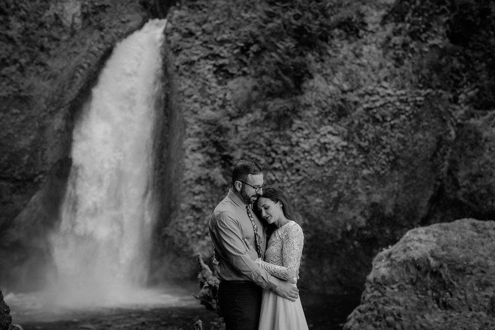 wahclella-falls-elopement-wedding_0043.jpg