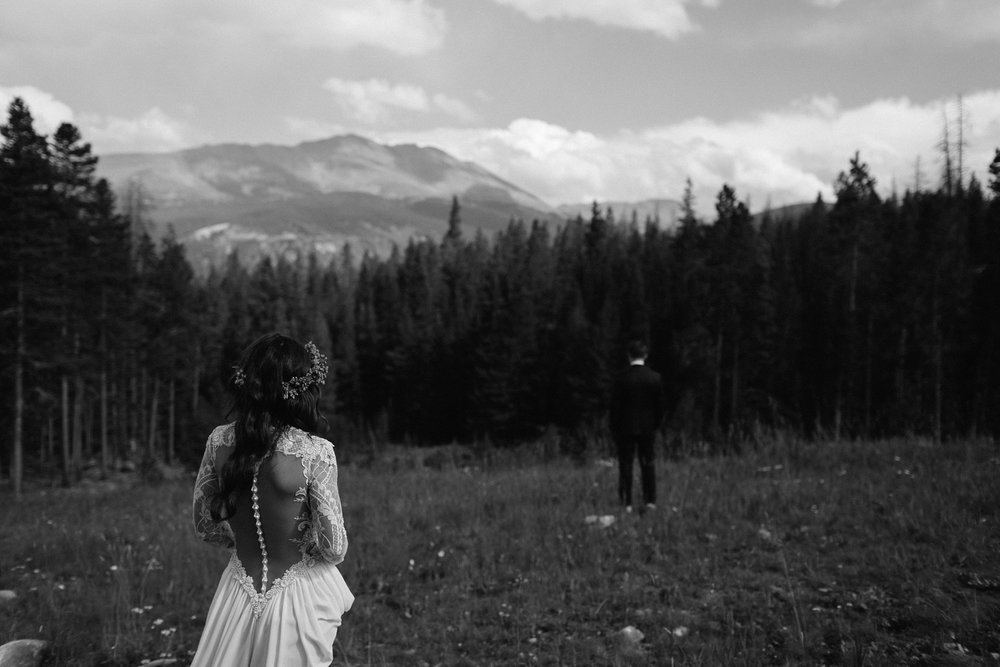 A mountain first look for a wedding in Breckenridge, CO