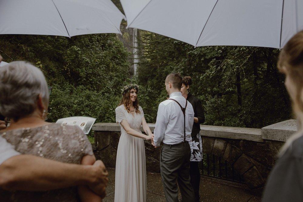 oregon-waterfall-elopement-wedding_0016.jpg