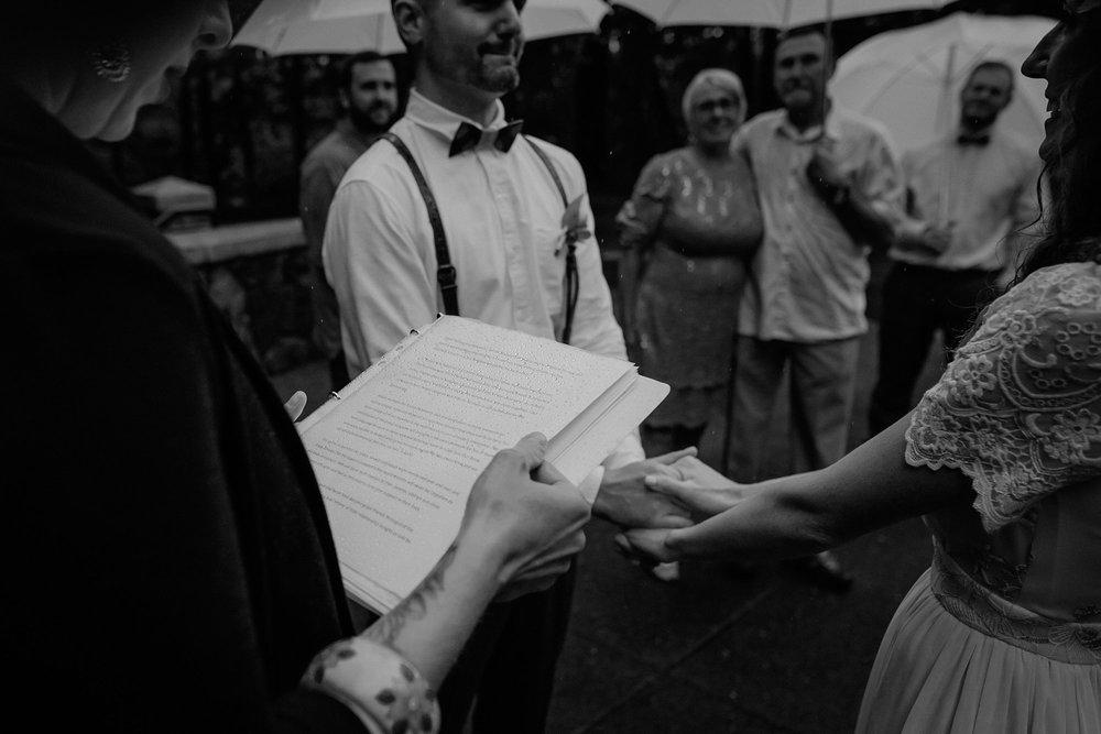 oregon-waterfall-elopement-wedding_0017.jpg