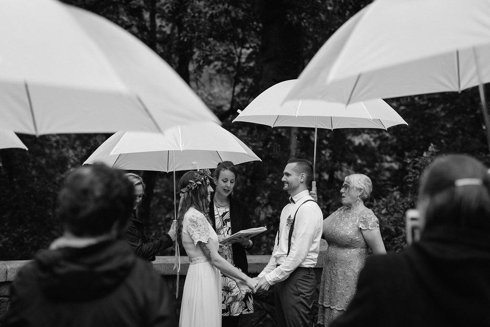 oregon-waterfall-elopement-wedding_0024.jpg